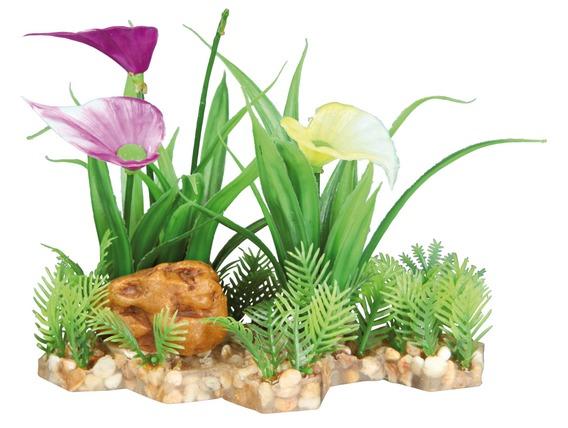 Plastová akvarijní rostlina s květy, na podstavci 13 cm