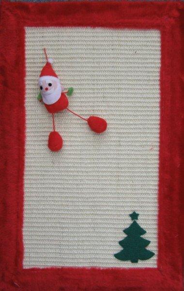 Vánoční škrábací deska pro kočku s hračkou 55 x 35 cm